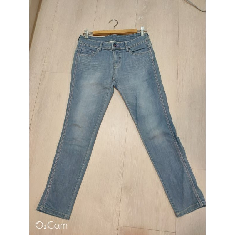 [big train]副牌Victoria jeans 淺藍直筒牛仔褲