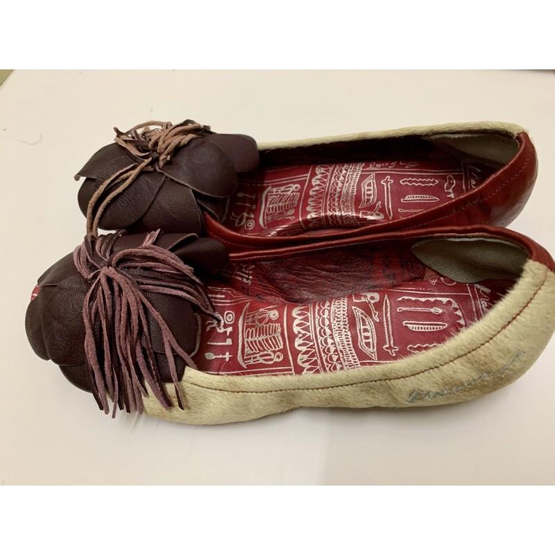 麥坎納MACANNA低跟鞋