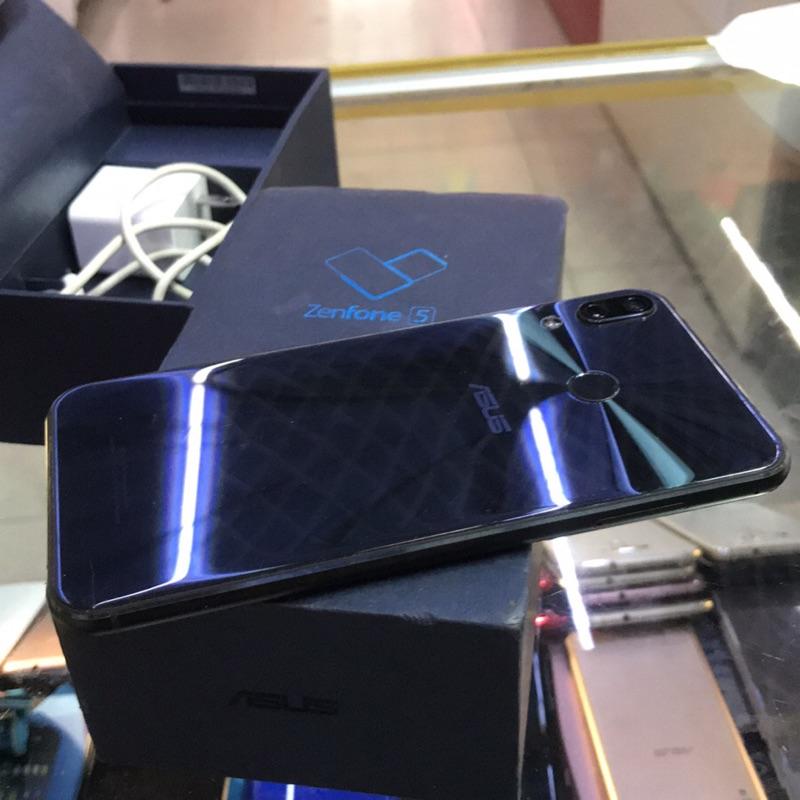 台版含稅含發票 Asus ZenFone5 ZE620KL 6.2吋 4+64G 台灣公司貨 二手機 台中 永和 實體店