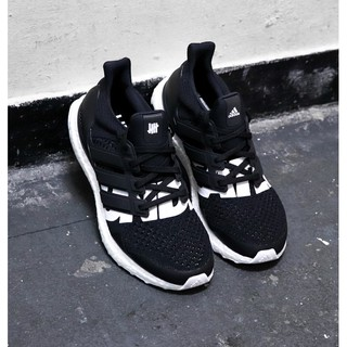 brand new 46b16 f29d4 《猴你鞋》UNDEFEATED X Adidas Ultra Boost 4.0 聯名 黑 全黑 編織 B22480