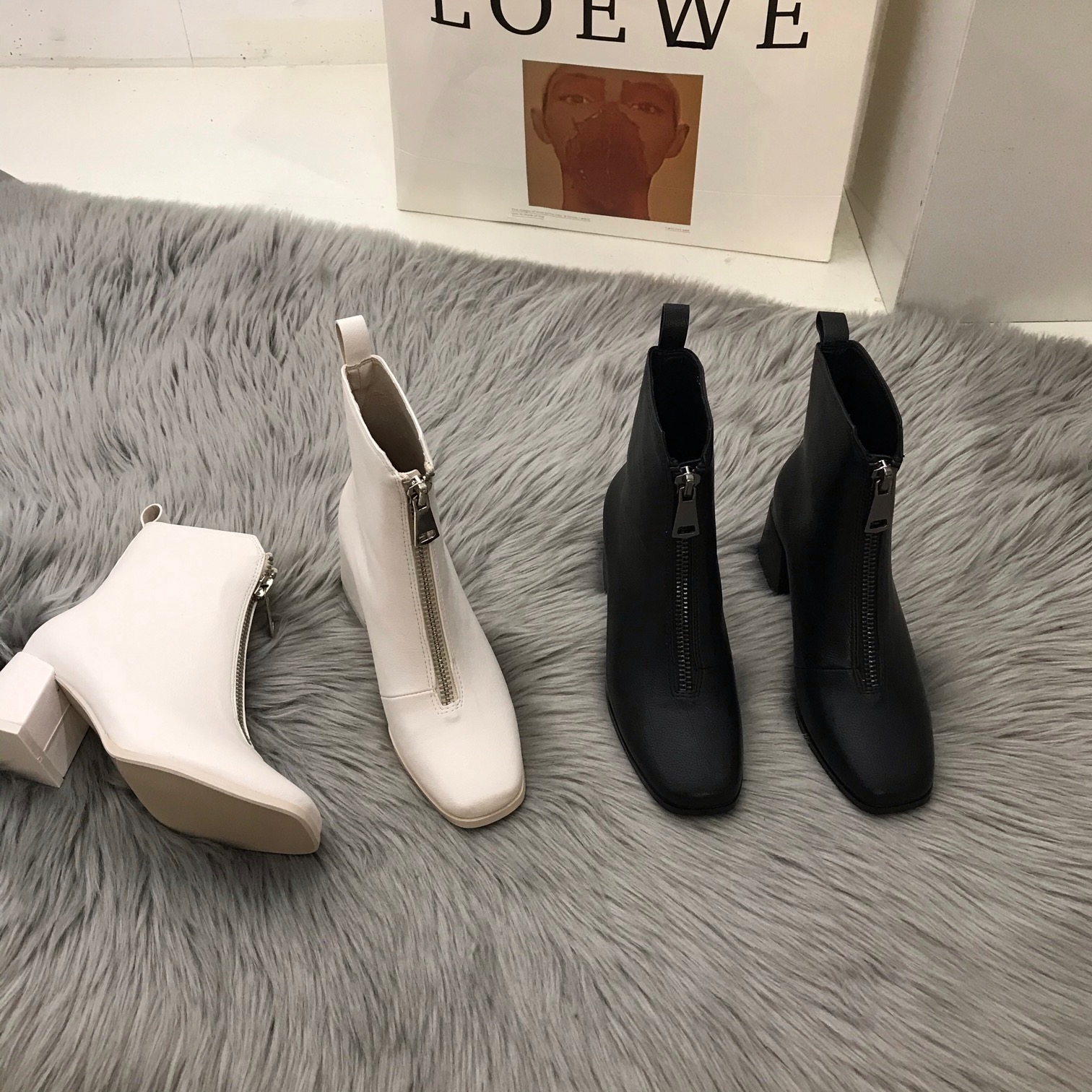 【正版販賣】清倉款不退不換白色瘦瘦馬丁靴女鞋前拉鏈高跟秋冬季方頭小短靴子Anoy BvSx
