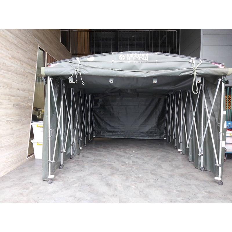 戶外活動車庫。休旅車尺寸。