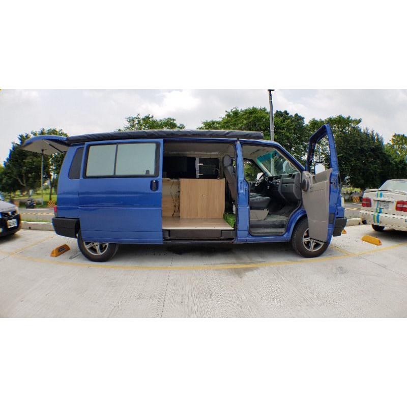 自排T4露營車 2004年 自排長軸T4 2500cc (貨車牌省稅金)露營車就是要有像T6加州號一樣的整排邊櫃