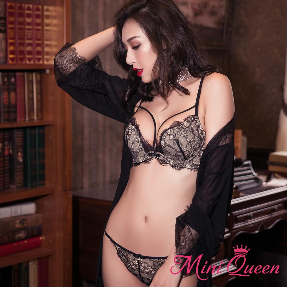 Mini Queen W女郎 (黑膚 65C-90E) 性感奢華蕾絲細帶集中爆乳內衣