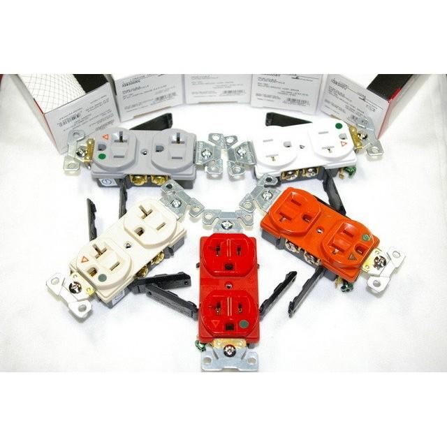美國Cooper IG8300 系列 醫療級獨立接地插座~五爪結構2P+E 125V 20A NEMA 5-20R