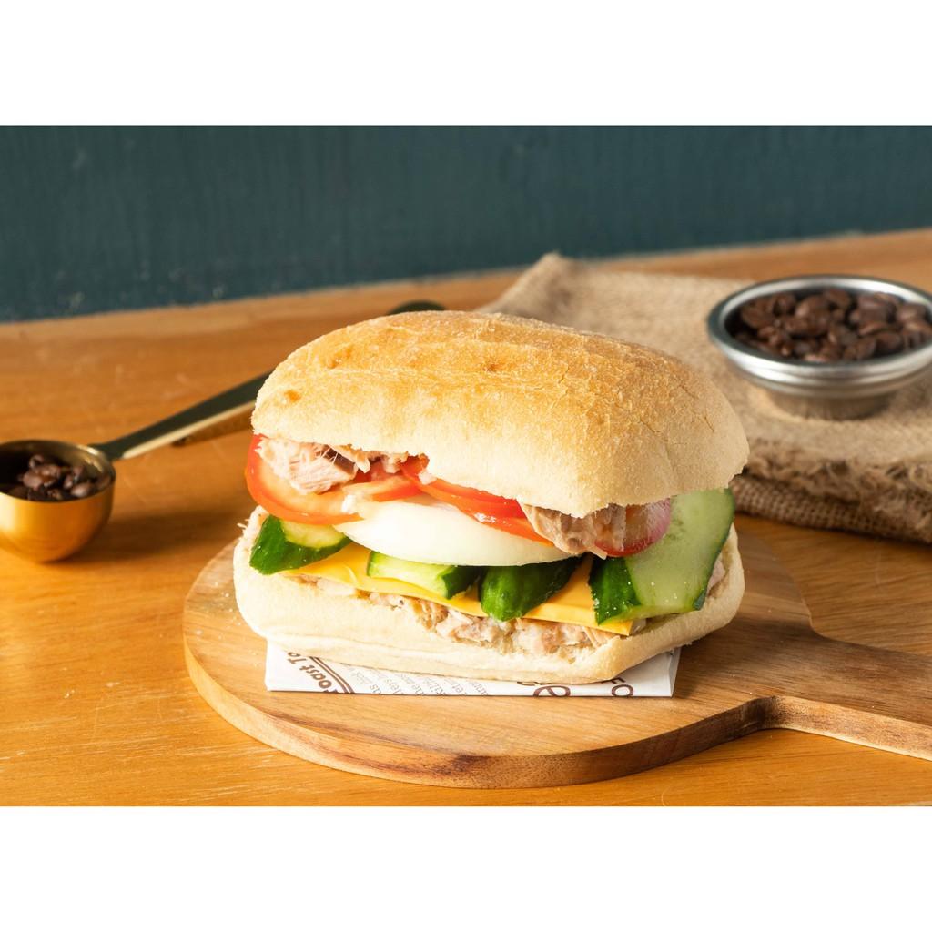 墨西哥麵包佐奶油起司鮪魚   MiLK Cafe' 繆克咖啡