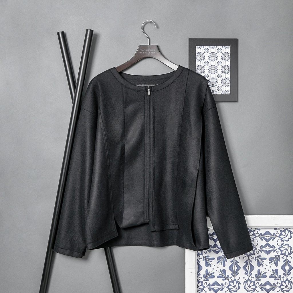 層次感剪接輕暖羊毛外套 不對稱設計