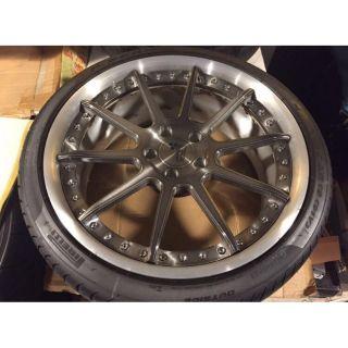 正19吋前後配美國品牌鍛造鋁圈,R8.小牛專用鋁圈,輪胎9成5新,全新裝上約跑200公里,買到賺到。 新北市