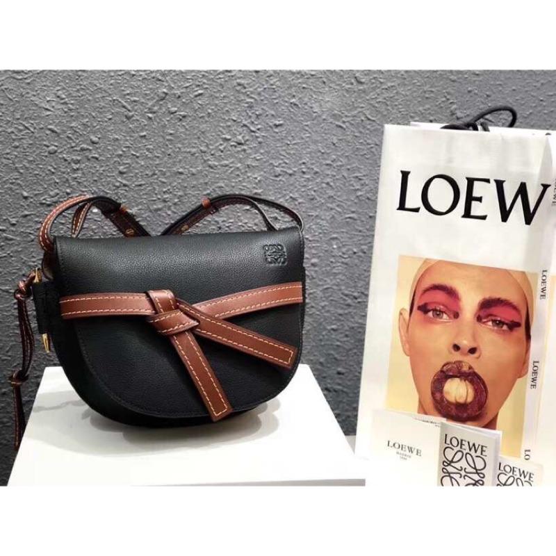 【LOEWE】破底價發售 以下指定款式限時特價 保証正貨,如假包退 型號 : Gate Bag