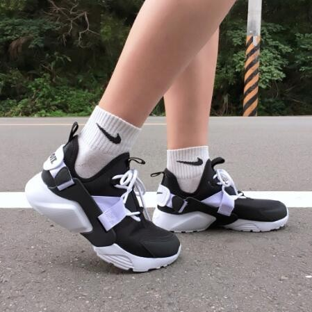Nike Wmns Air Huarache City Low 武士 女鞋 黑白 AH6804-002