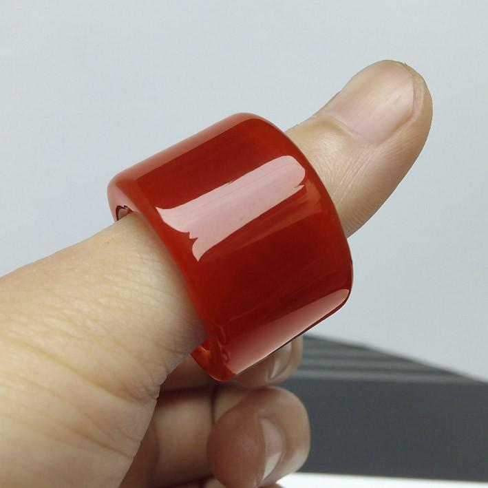 包郵天然紅玉髓扳指正品綠瑪瑙玉扳指戒指男士玉戒水晶寶石