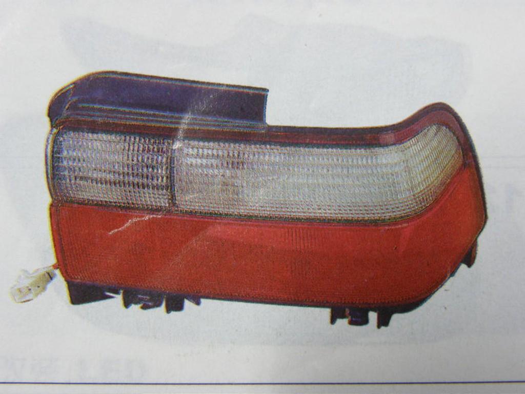 TOYOTA COROLLA 96 後燈 尾燈 其它來令片,發電機,啟動馬達,墊片,修理包,幫浦,皮帶,軸承 歡迎詢問