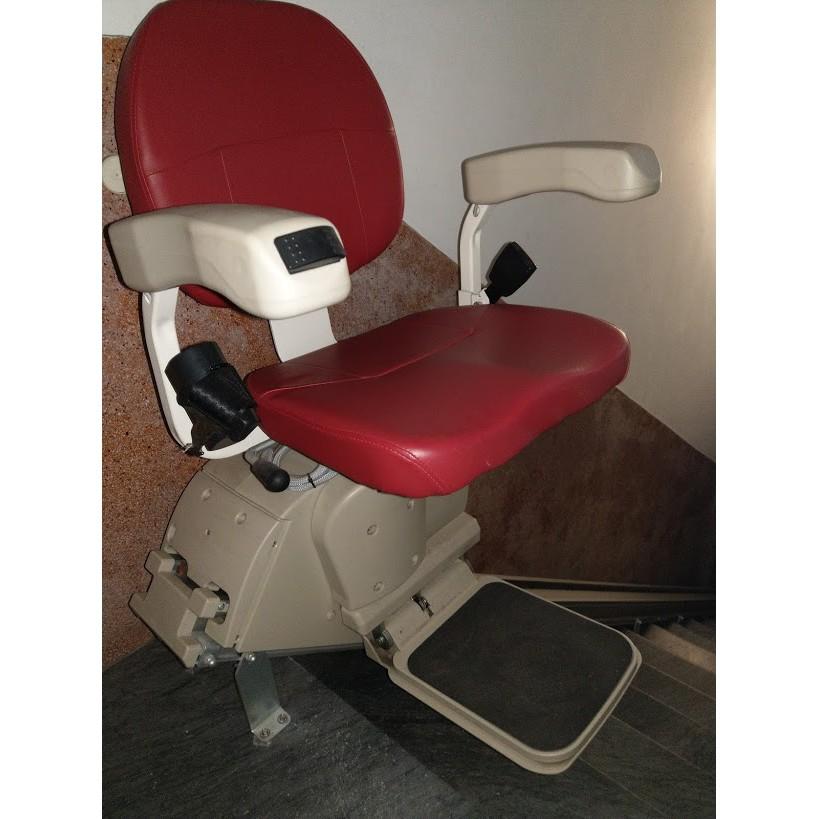 羅X森樓梯升降椅--中古(106/12月安裝,少用,電池新換)