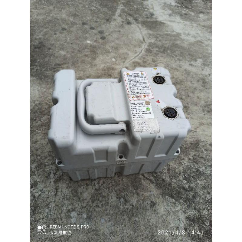 中華電動二輪車 全新盒裝充電器 中古電池 e moving em100 em80