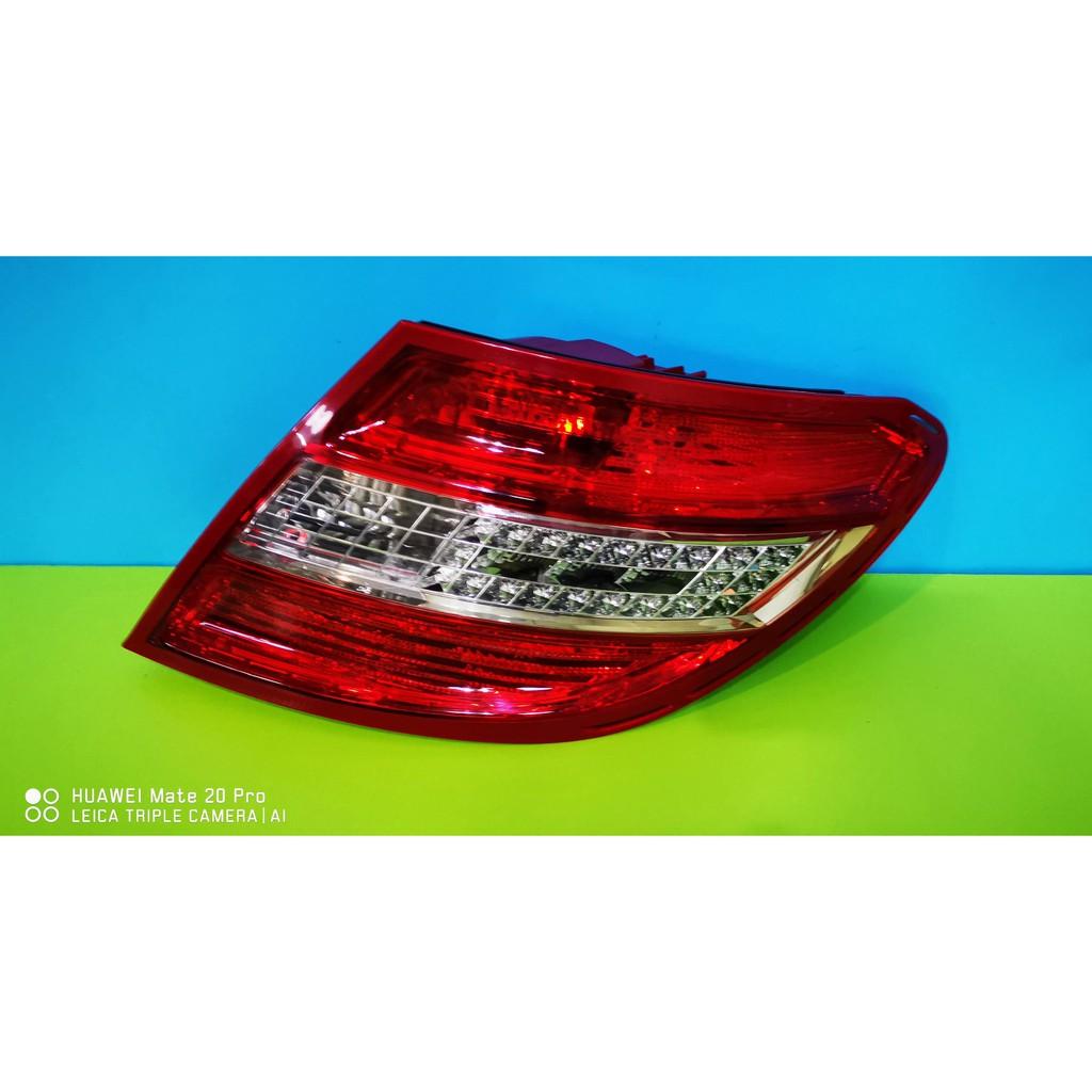 原廠 Mercedes-Benz 賓士 W204 LED 右後燈 尾燈 車燈 燈座 燈殼