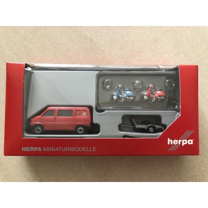 Herpa 049511 VW T4 California Coach 露營車加拖車附有兩台Vespa 偉士牌 50R