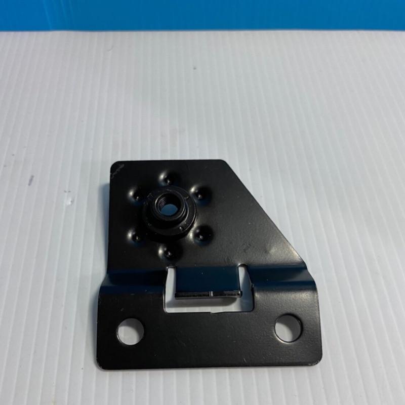 BENZ 2126202014 前葉子板支架 RH W211