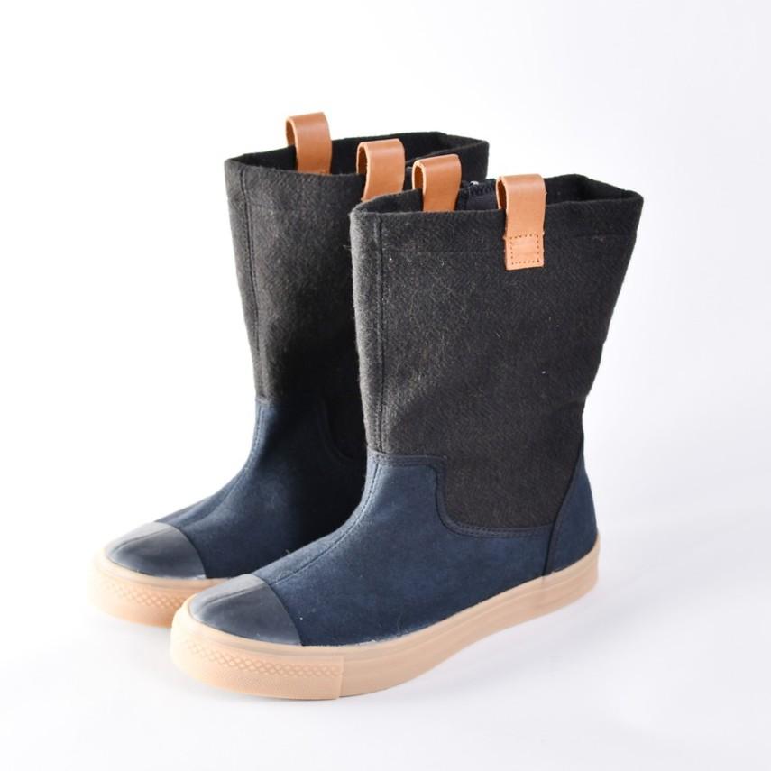 Southgate南登機口 TARA 深藻綠長靴 特價3.5折 黑色鞋面處有不明顯斑點 如果能接受再請下單 謝謝