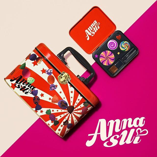 2019周年慶特惠組 ANNA SUI 安娜蘇限量棒棒糖彩妝盒-糖果彩繪+潮粉腮紅+潮粉紫眼影