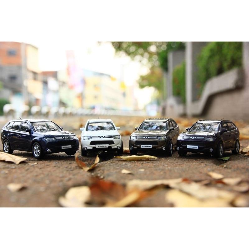 2015年式 三菱 Outlander Mitsubishi 1:43 辛合金模型車 原廠模型車