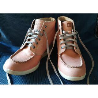 九成新出清,正版CAT粉嫩粉紅高跟休閒鞋 高雄市