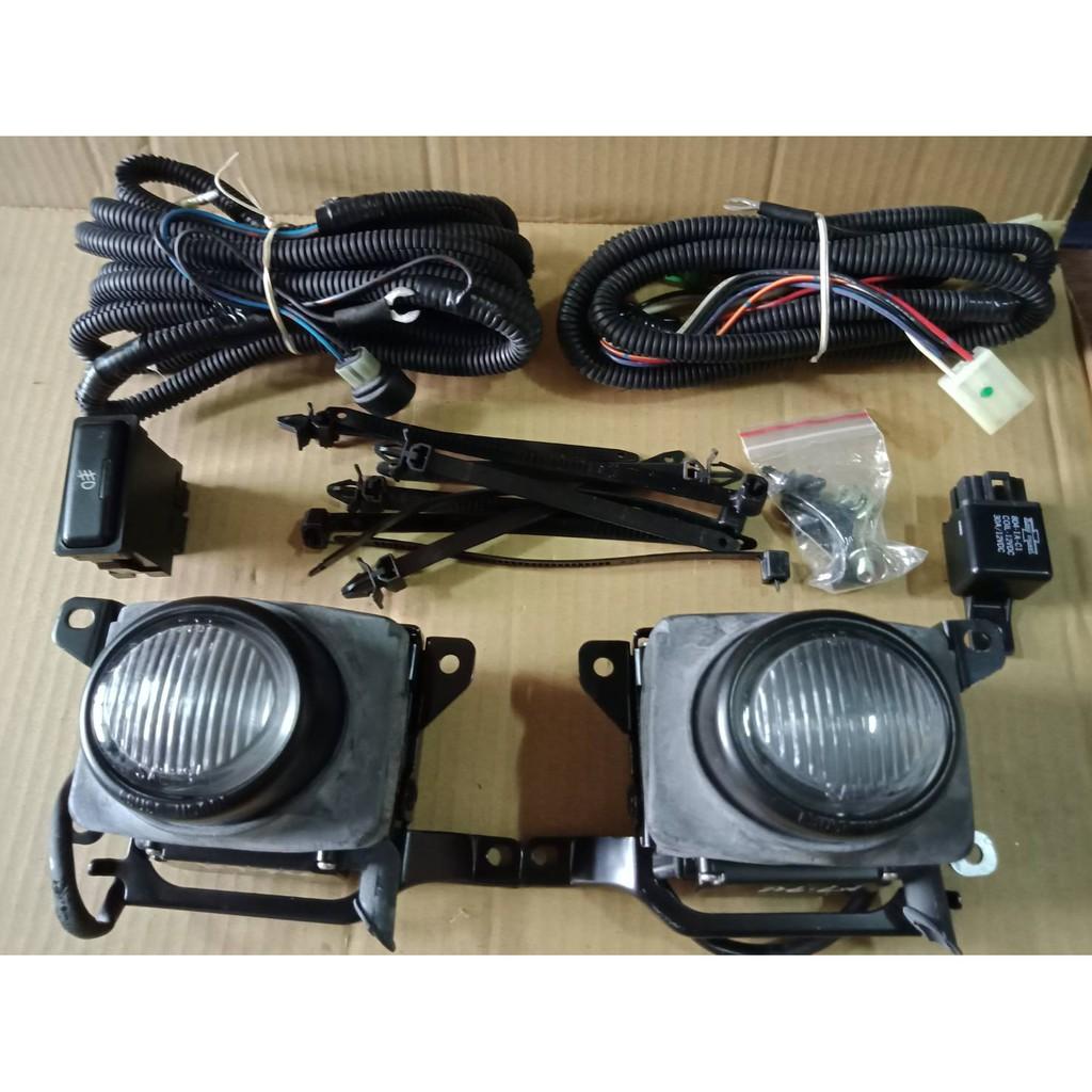 雅哥  K7 1994年  霧燈 左右邊 含線組  含霧燈開關  含霧燈座 白鑽色  台製