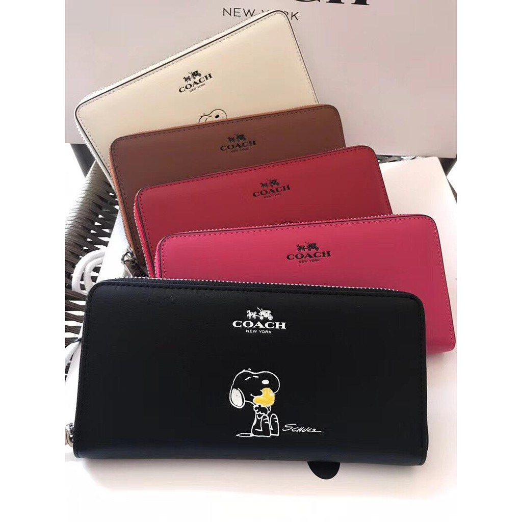 美國代購 COACH 蔻馳女款真皮錢包 Snoopy史努比系列限量款 拉鏈長夾錢包 卡包 手拿包 零錢包 F53773