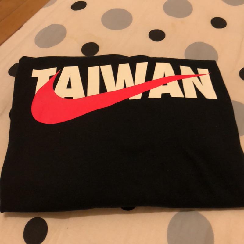 Nike Taiwan 黑短T