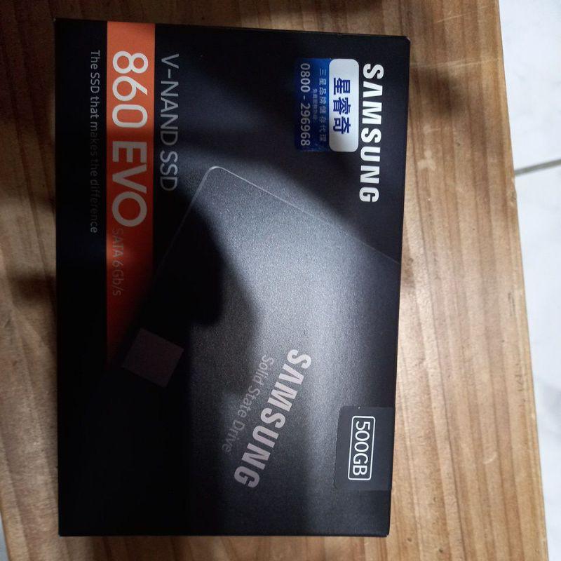 全新的SAMSUNG 860  EVO 500GB 固態硬碟