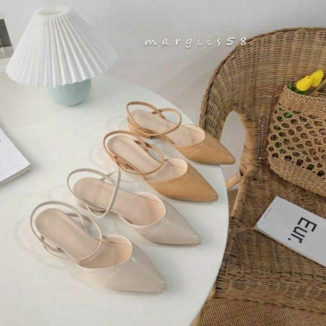 包頭鞋• 時裝涼鞋 尖頭一字帶涼鞋 平底鞋 包頭涼鞋 預購
