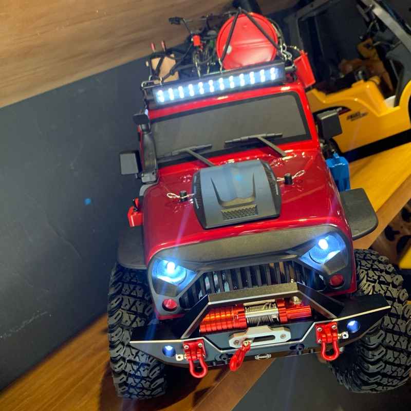 《世界通遙控模型》RGT EX86100 現貨 搖控像真附燈攀岩車1:10(含兩側踏板)