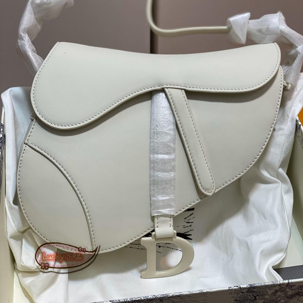 ✨Lucky✨正品代購 DIOR迪奧 M0446  白色 SADDLE ULTRA MAT 肩背包 斜背包