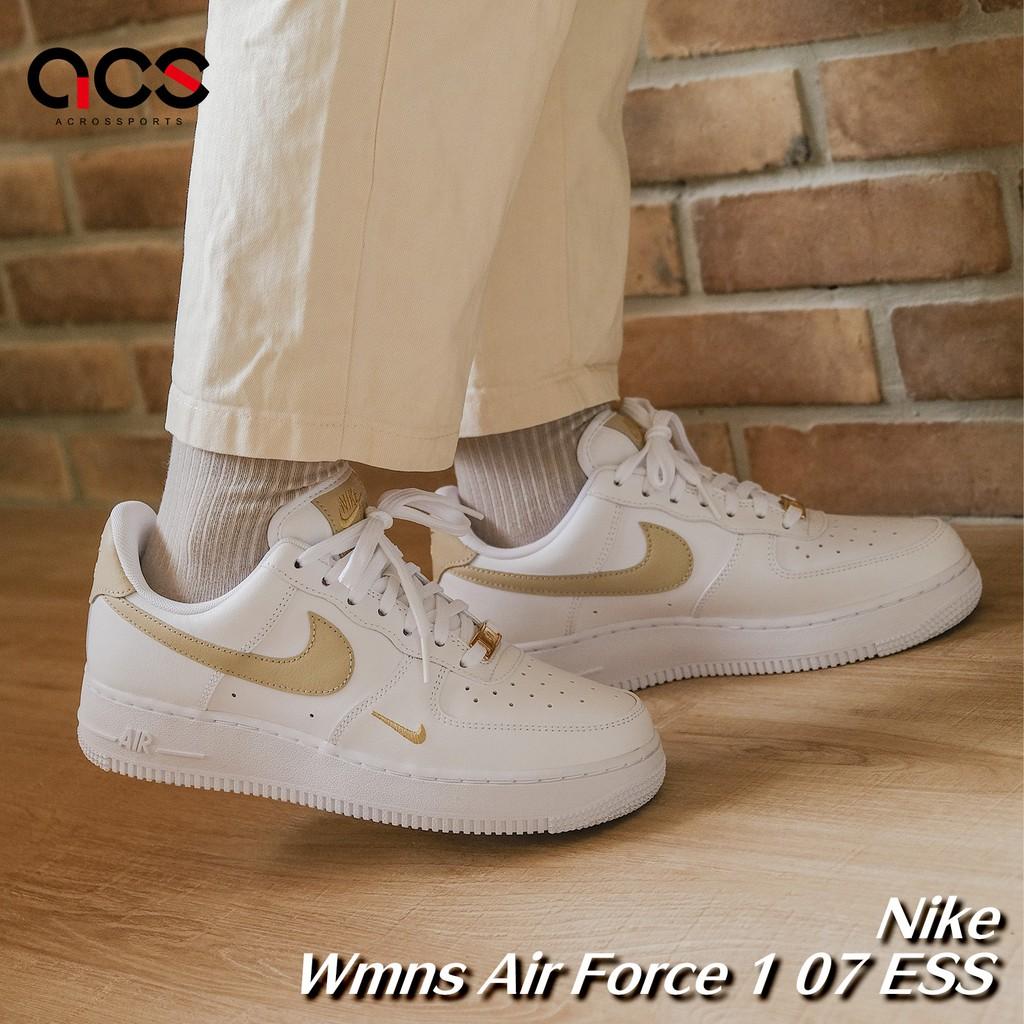 Nike Wmns Air Force 1 07 Ess 白 小金勾 金標 小白鞋 女鞋 ACS CZ0270-105