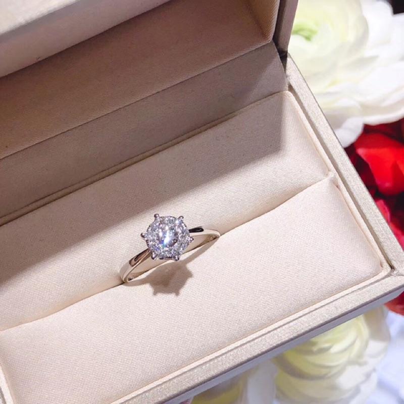 璽朵珠寶 [ 18K金 六爪 放大 鑽石戒指 ] 微鑲工藝 精品設計 鑽石權威 婚戒顧問 婚戒第一品牌 鑽戒 GIA