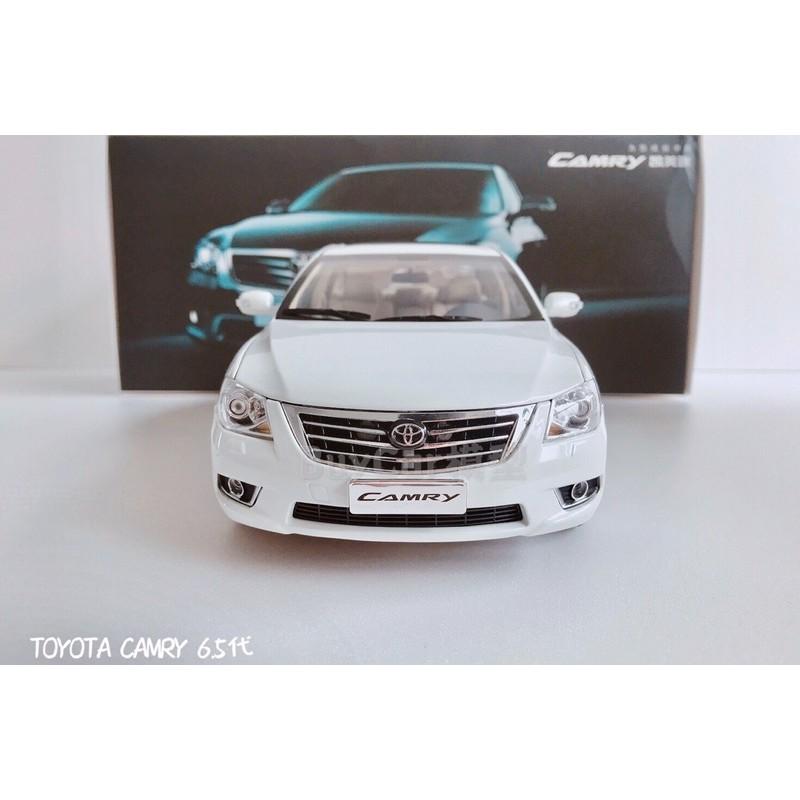BuyCar模型車庫 1:18 Toyota Camry 6.5代 白色 模型車