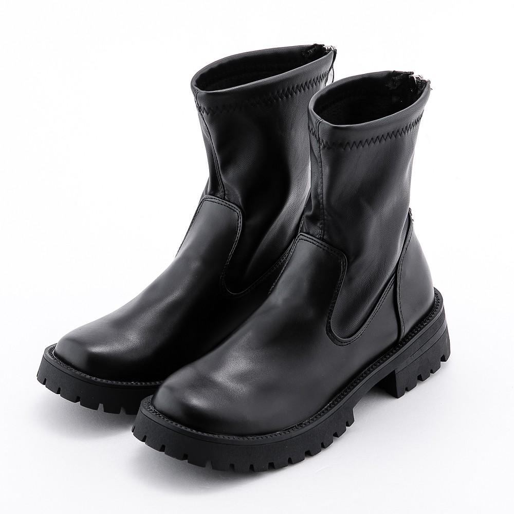 暗黑時尚素面軟皮方頭厚底短靴 黑River&Moon