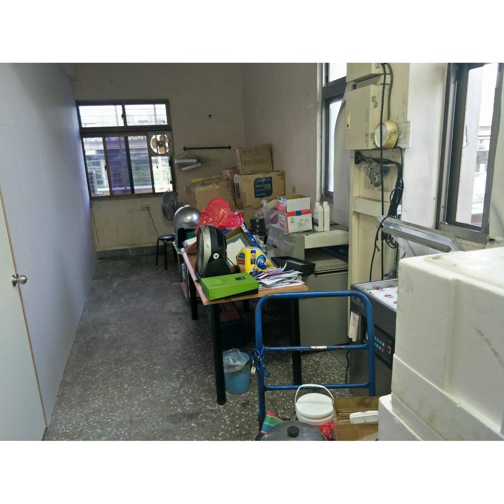 我們有一個廠房空間,便宜出租當倉庫使用