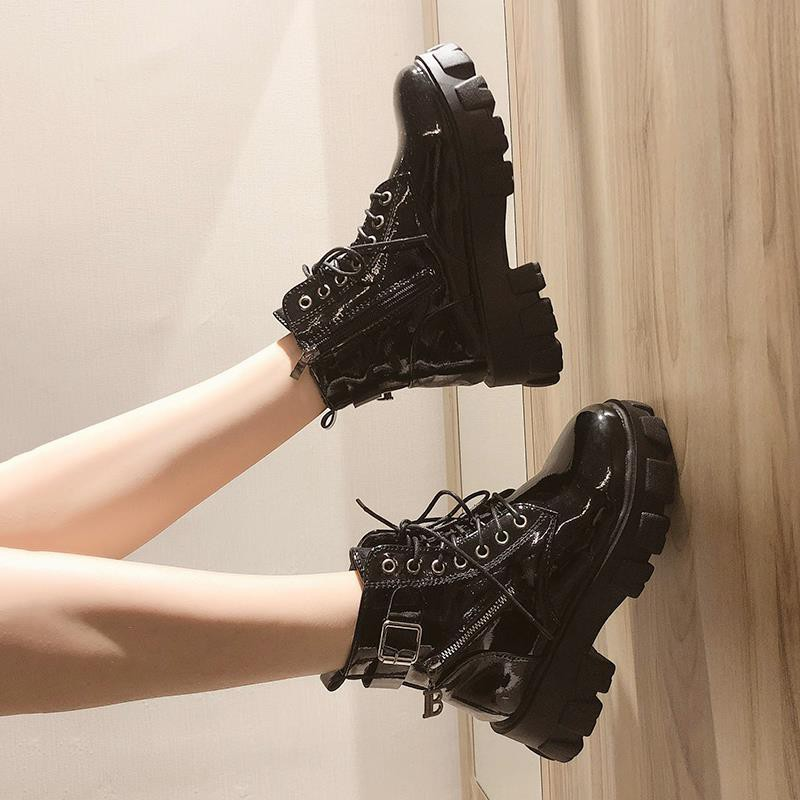 【免運】黑色帥氣馬丁靴女秋冬加絨英倫風2020新款漆皮百搭厚底網紅小短靴
