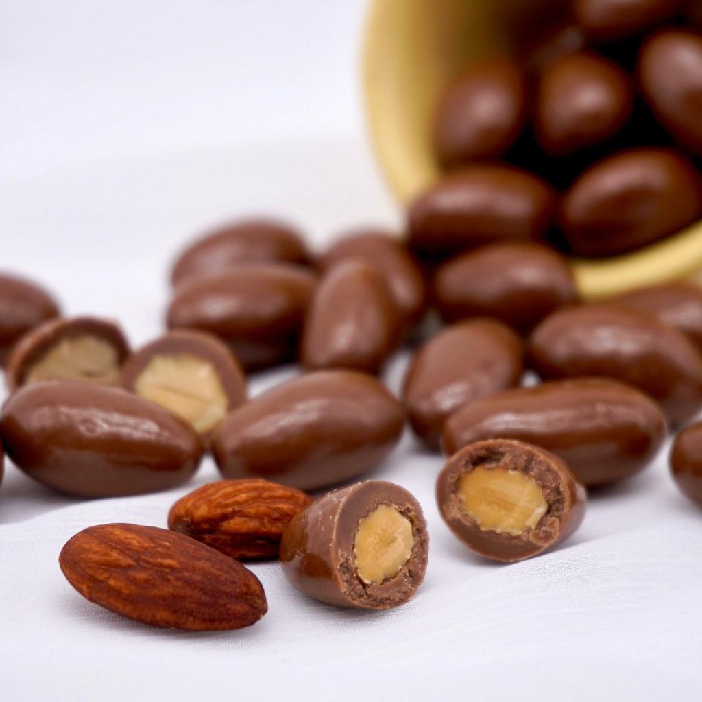 【嘴甜甜】杏仁牛奶巧克力 200公克 巧克力系列 夾心巧克力