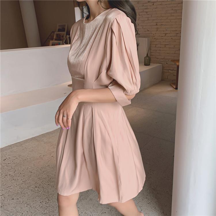 正韓洋裝 氣質素色短袖洋裝連身裙 時尚赫本風收腰小洋裝裙 法式洋裝 短版洋裝 度假洋裝 沙灘裙