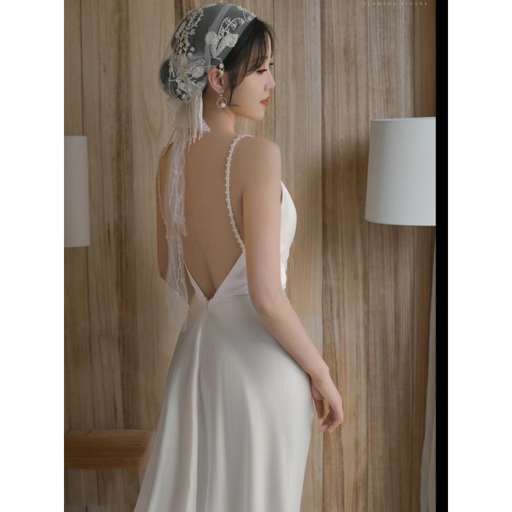 二手輕婚紗戶外草坪婚禮寫真旅拍輕婚紗禮服法式緞面復古簡約新娘拖尾顯瘦白色禮服森系