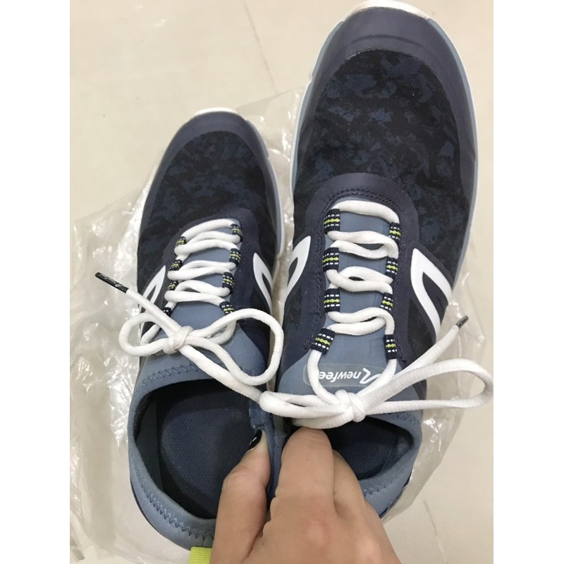 迪卡儂防水運動鞋 防潑水 近全新防水運動鞋 男女迪卡儂運動鞋慢跑鞋41號
