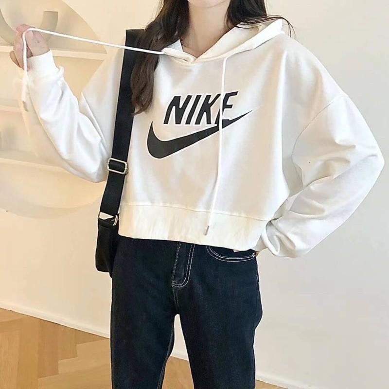 翻玩Nike抽繩連帽Tee