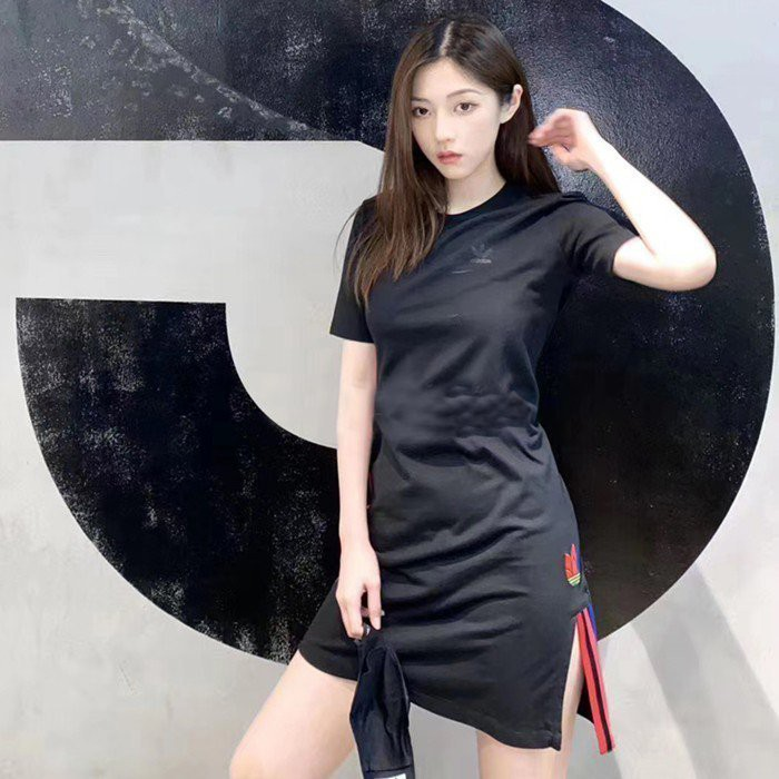 ⓉⒽⓇⒺⒺⒼ🔥ADIDAS ORIGINALS 短袖洋裝 長版 棉質 兩側開衩 休閒 三線 黑色 女 GD2233