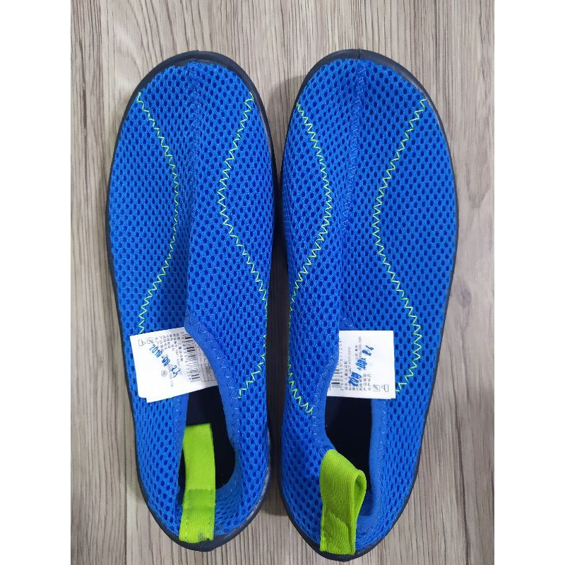 迪卡儂購入全新溯溪鞋