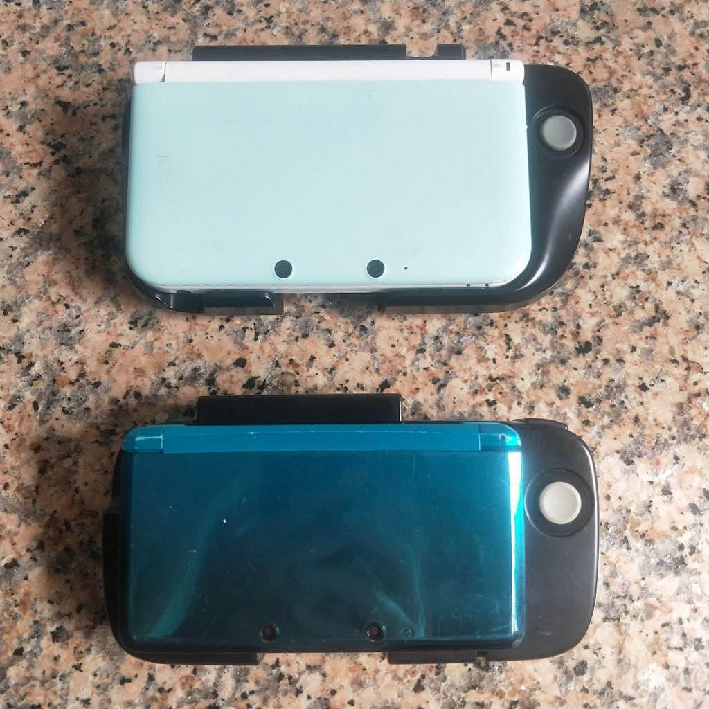 _二手良品_任天堂 Nintendo 3DS /3DS LL XL原廠右類比擴充套件 右搖桿 加大握把(魔物獵人可支援)
