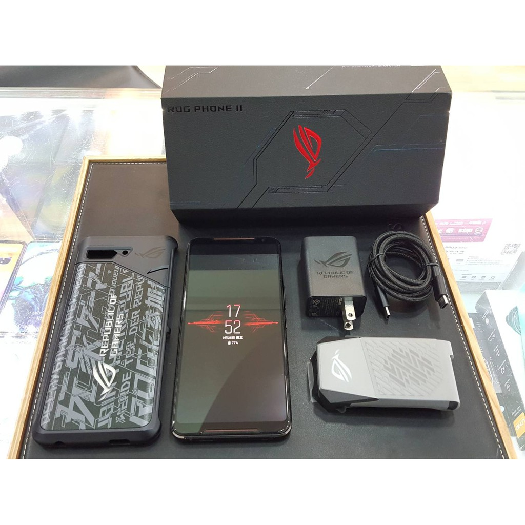 二手 9成新 ASUS ROG Phone 2代 電競手機 512GB 黑色 双北歡迎到門市面交自取!附送全新遊戲手把