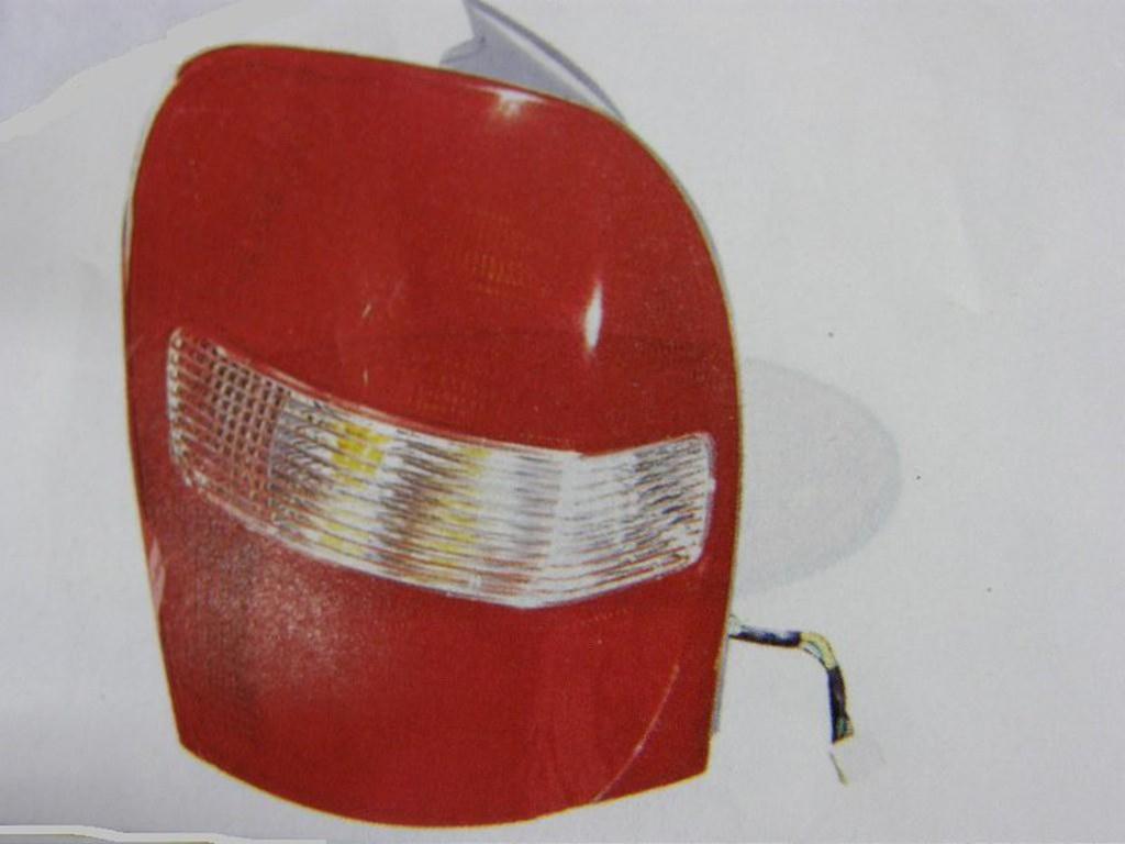 福特 TIERRA LIFE ACTIVA 99 5D 5門 馬自達 ISAMU 323 99 5D 5門 後燈 尾燈