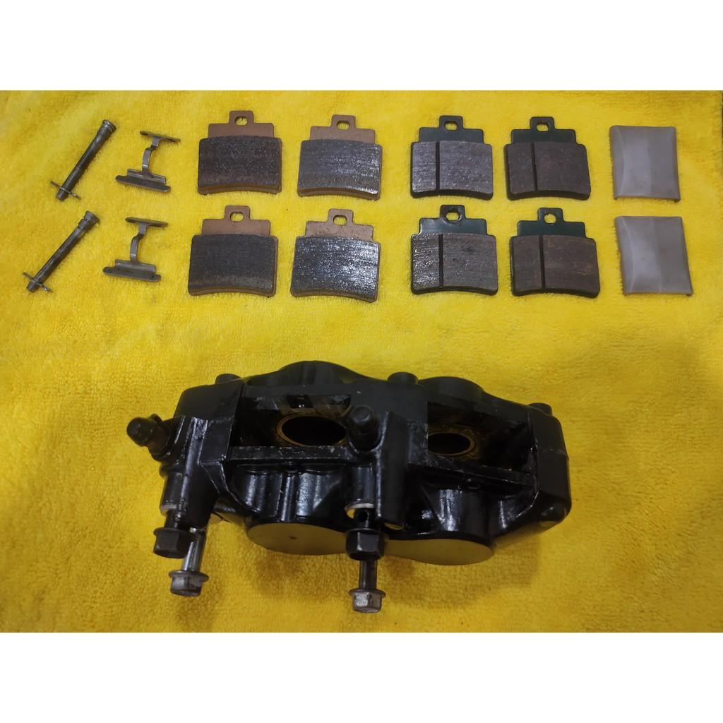 二手品,SYM GTS300i 原廠前卡鉗 一般對四版,已分解清洗 Joymax、RV270、RV250 可用