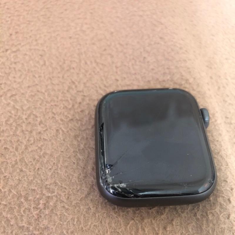 Apple Watch 4 Lte版正品 可附發票證明 屏東面交可以更便宜(二手)